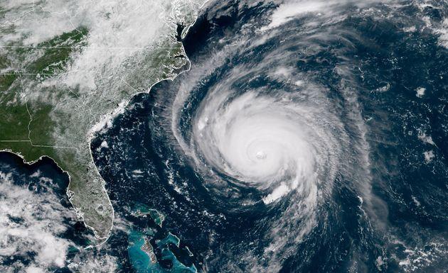 Υποβαθμίστηκε στην κατηγορία 3 ο τυφώνας Φλόρενς. Ωστόσο παραμένει