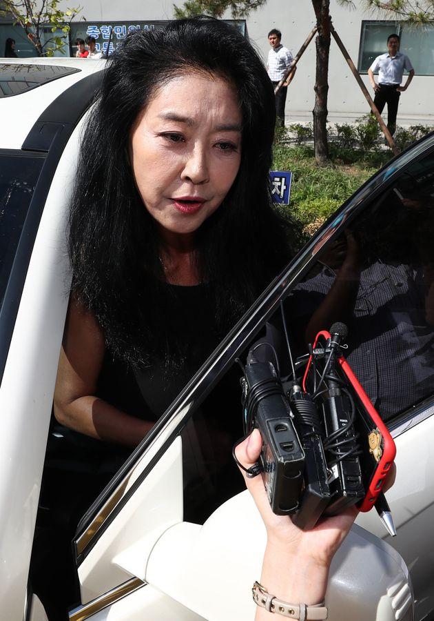 김부선이 변호사 선임 완료하고 경찰에 재출석할