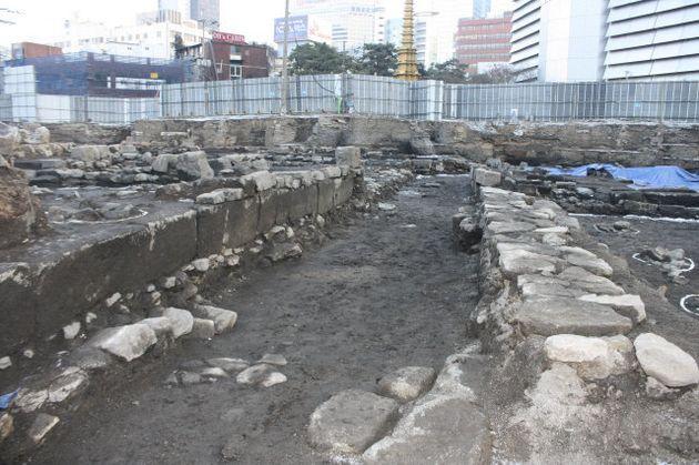 종로구 신축 건물 지하에 대규모 유적박물관이 문을 연