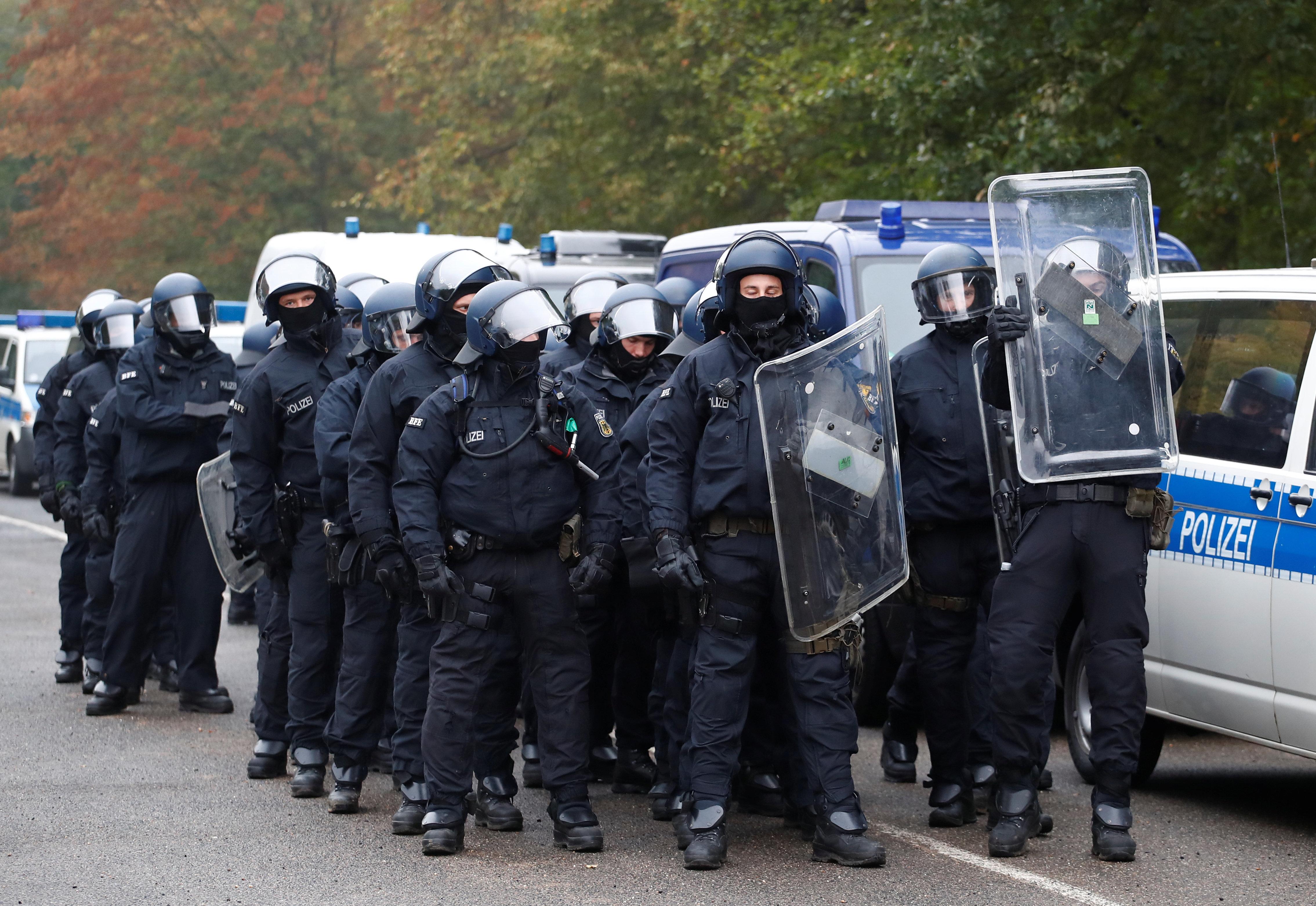Der Tag:Hambacher-Forst-Aktivisten besetzen NRW-Vertretung