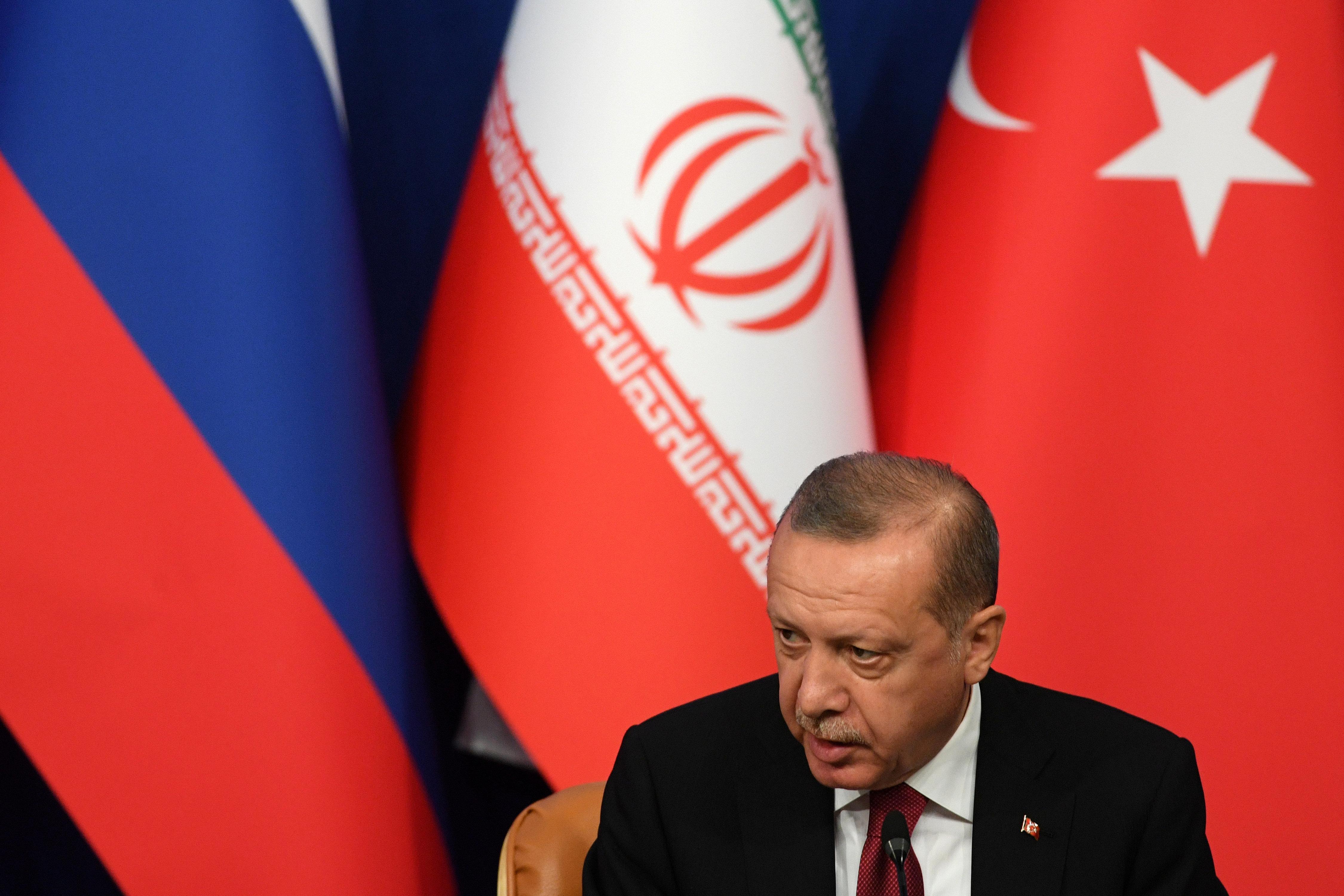 Ερντογάν: Σε λίρες οι συμφωνίες πώλησης και μίσθωσης