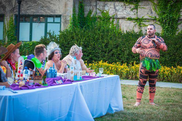 Buzz Lightyear e Woody se casaram em uma festa épica com fantasias da