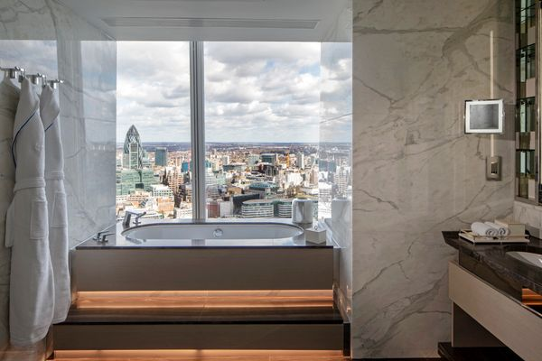 Soak in the bath while you soak up the spectacular London cityscape from the ultimate vantage point: hundreds of feet above t