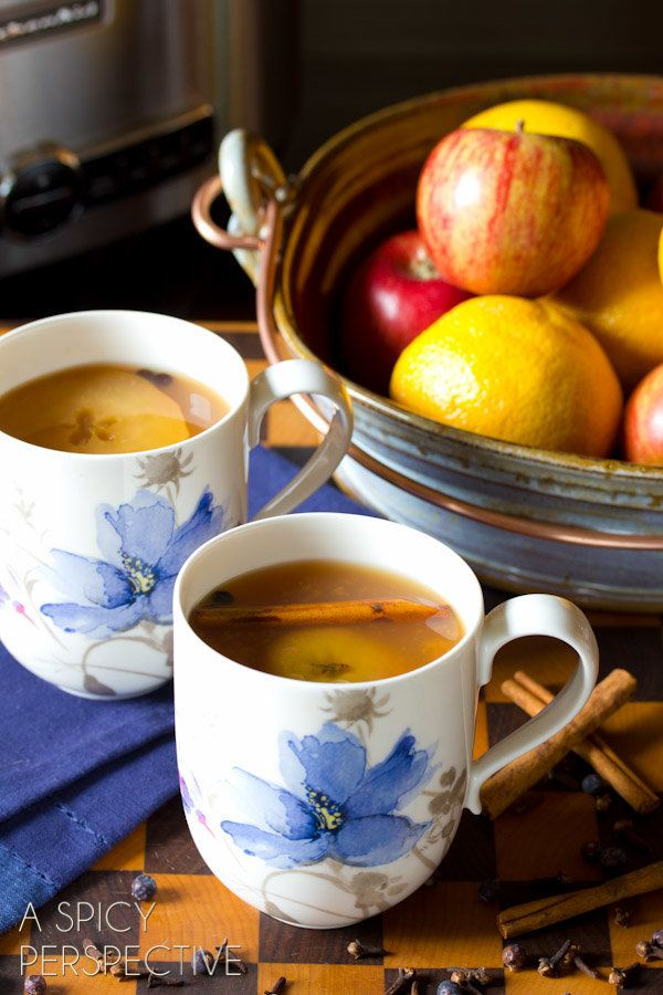 "<strong>Get the <a href=""http://www.aspicyperspective.com/2013/09/wassail-recipe.html"" target=""_blank"">Slow Cooker Cider Wass"