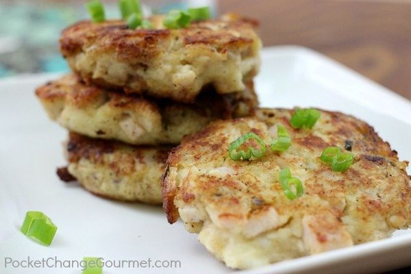 """<strong>Get the <a href=""""http://pocketchangegourmet.com/mashed-potato-stuffing-patties-thanksgiving-leftovers/"""" target=""""_blan"""