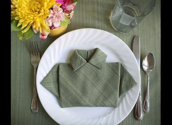 "It was originally made for Father's Day, but hey, why not. <a href=""http://howaboutorange.blogspot.com/2010/06/fold-napkin-sh"
