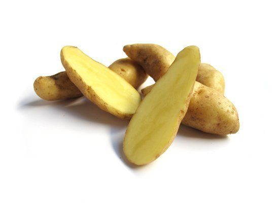 Fingerlings are two to three inches long and thin (finger-shaped, duh) with thin, buff-yellow skin and light yellow flesh. Th