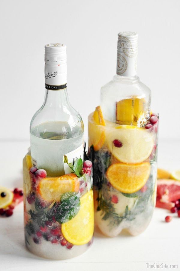 """It's hot out there and booze has got to stay cool. May as well make <a href=""""http://www.huffingtonpost.com/2015/05/29/diy-ice"""