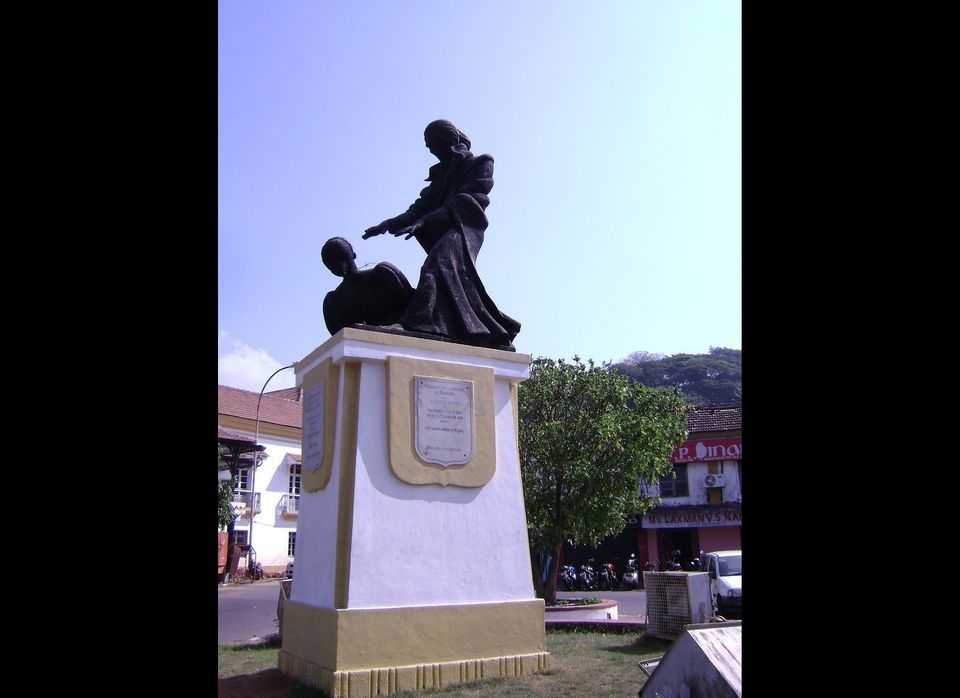 An 18th-century Portuguese monk who pioneered hypnotic techniques, Abbé Faria was honored in 1945 in the city of his birth wi