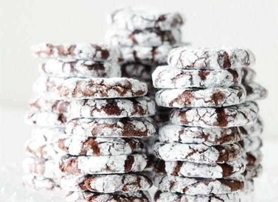 "<strong>Get the <a href=""http://www.bakersroyale.com/cookies/peppermint-crinkle-cookies/"" target=""_hplink"">Peppermint Crinkle"