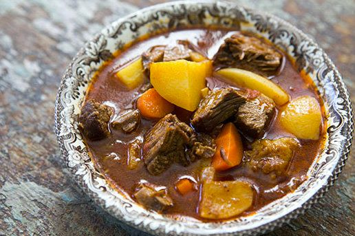 """<strong>Get the <a href=""""http://www.simplyrecipes.com/recipes/short-rib_beef_stew_with_ale/"""" target=""""_blank"""">Short-Rib Beef S"""