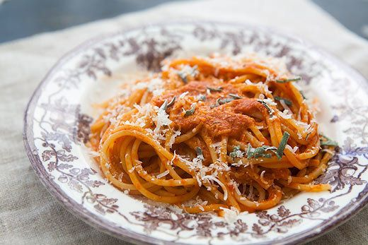 "<strong>Get the <a href=""http://www.simplyrecipes.com/recipes/roasted_red_pepper_pasta_sauce/"">Roasted Red Pepper Pasta Sauce"