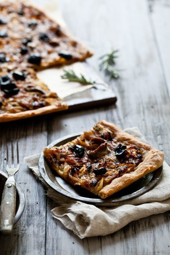 "<strong>Get the <a href=""http://www.tarteletteblog.com/2011/05/recipe-pissaladiere-and-guest-post.html"">Pissaladiere</a> reci"
