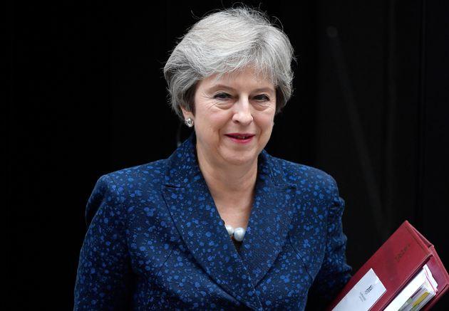 '노딜 브렉시트' : 영국 주택가격이 35% 폭락할 것이라는 경고가