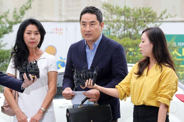 김부선이 경찰 출석하며 밝힌 입장과 강용석·이재명에 관해 한