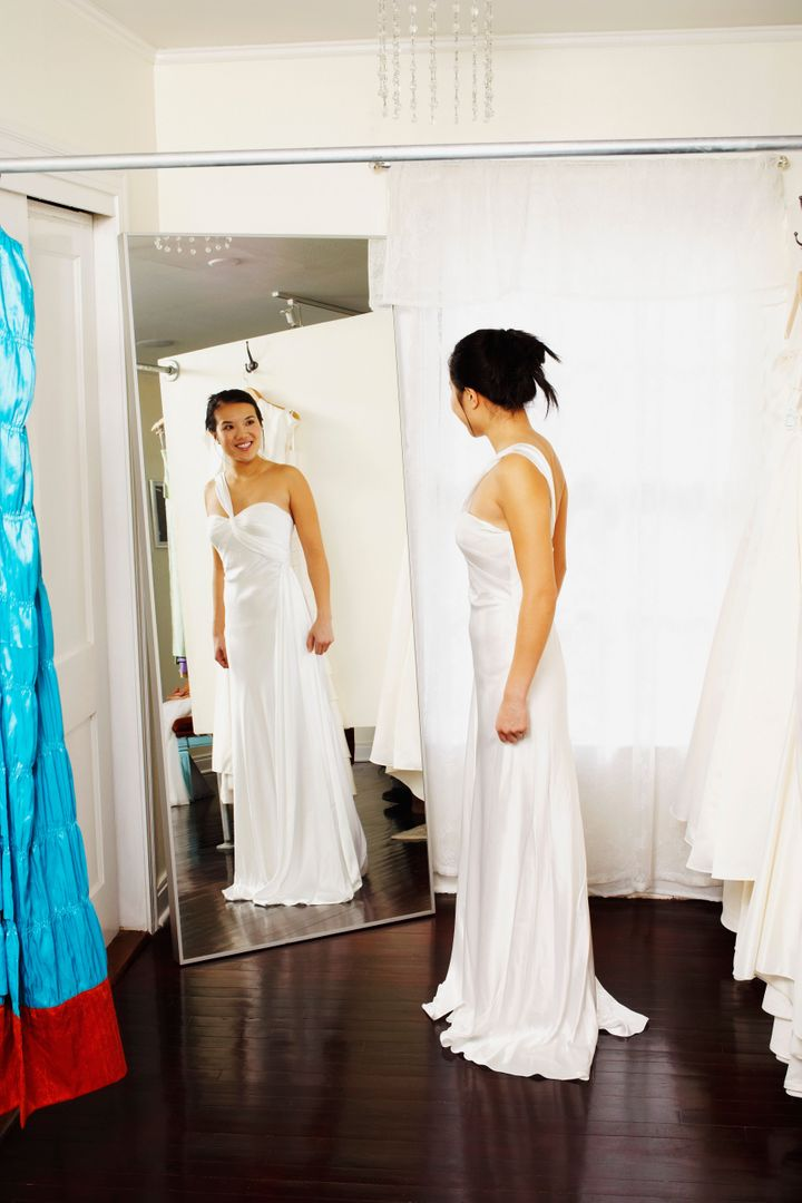 Where Can I Sell My Wedding Dress Locally.7 Tips For Finding A Wedding Dress On A Budget Huffpost Life