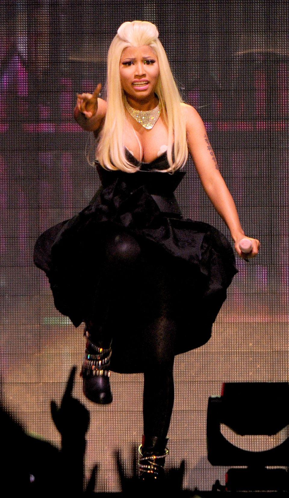 Celebrity fashion malfunction