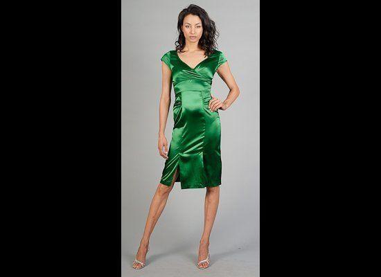 """<a href=""""http://www.edressme.com/green-ss-dress-je.html"""" target=""""_hplink"""">eDressme</a>"""