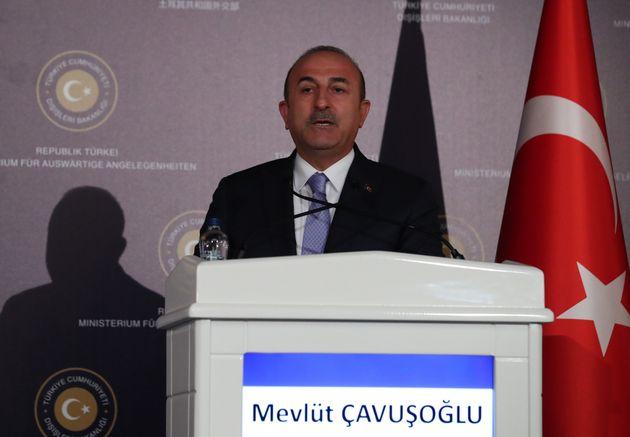 Τσαβούσογλου: Η Τουρκία καταβάλλει προσπάθειες για κατάπαυση πυρός στην