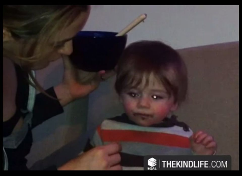 """This celeb ignited a firestorm of debate this week by <a href=""""http://www.thekindlife.com/post/home-video-breakfast-with-baby"""