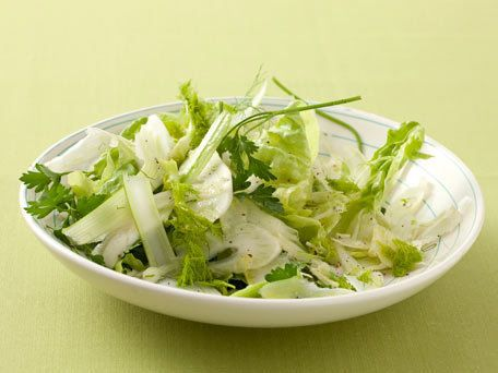 "<strong>Get the <a href=""http://www.huffingtonpost.com/2011/10/27/parsley-fennel-salad_n_1057512.html"" target=""_blank"">Parsle"