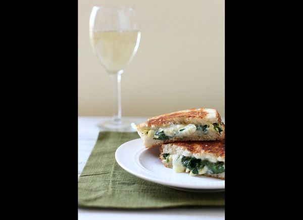 """<strong>Get the <a href=""""http://annies-eats.com/2012/08/09/spinach-and-artichoke-grilled-cheese/"""" target=""""_hplink"""">Spinach An"""
