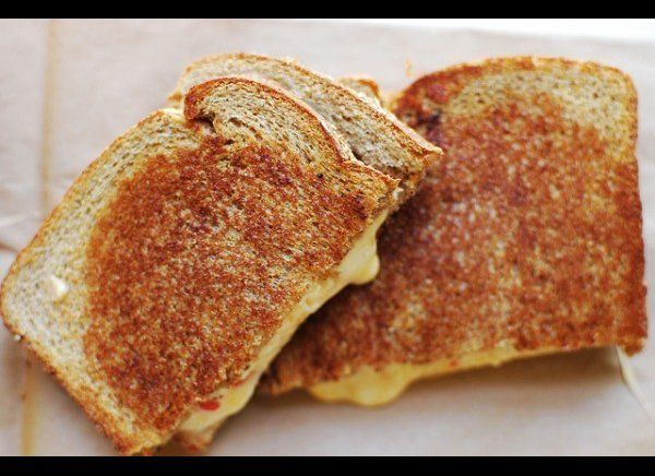 """<strong>Get the <a href=""""http://www.honeysucklelife.com/2011/05/16/grilled-pimiento-cheese-sandwiches/"""" target=""""_hplink"""">Gril"""