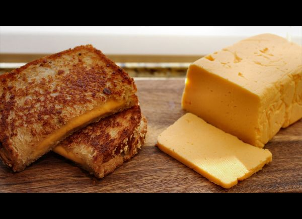 """<strong>Get the <a href=""""http://insidenanabreadshead.wordpress.com/2011/09/09/behold-the-power-of-cheese/"""" target=""""_hplink"""">H"""