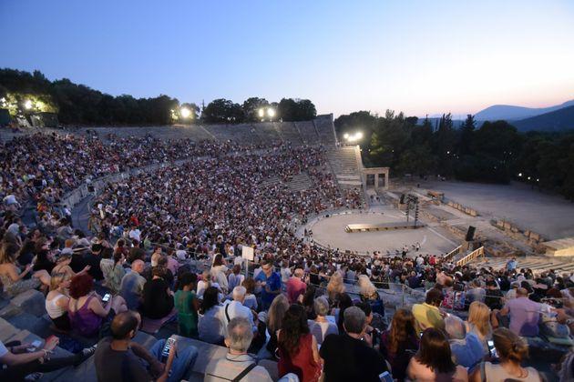 Σωματείο Ελλήνων Ηθοποιών εναντίον Φεστιβάλ Αθηνών. Οριστική ματαίωση της παράστασης «Έρωτες και θρήνοι