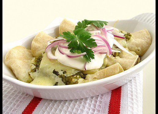 "<strong>Get the <a href=""http://www.gastronomersguide.com/2011/02/chicken-enchiladas-suizas.html"" target=""_hplink"">Chicken En"