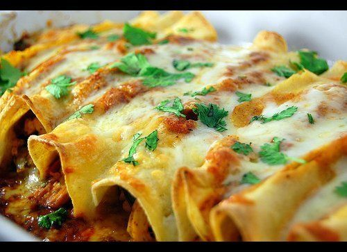 "<strong>Get the <a href=""http://www.pink-parsley.com/2009/08/chicken-enchiladas.html"" target=""_hplink"">Chicken Enchiladas wit"