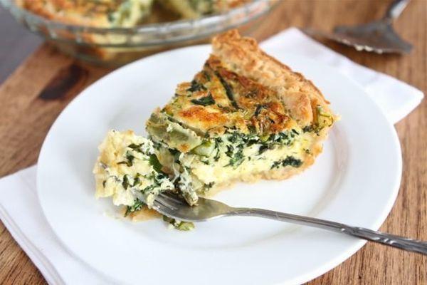"<strong>Get the <a href=""http://www.twopeasandtheirpod.com/asparagus-spinach-feta-quiche/#more-12450"">Asparagus, Spinach, & F"