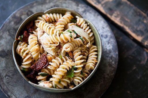"""<strong>Get the <a href=""""http://www.simplyrecipes.com/recipes/pasta_with_artichoke_hearts_sun_dried_tomatoes_and_toasted_almo"""