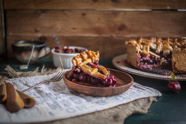 """<strong>Get the <a href=""""http://www.adventures-in-cooking.com/2013/07/balsamic-cherry-pie-with-black-pepper.html"""" target=""""_bl"""