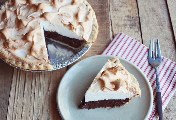 """<strong>Get the <a href=""""http://www.abeautifulmess.com/2012/11/mocha-meringue-pie.html"""" target=""""_blank"""">Mocha Meringue Pie re"""