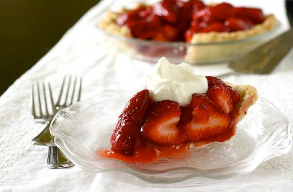 """<strong>Get the <a href=""""http://www.annies-eats.com/2011/06/24/fresh-strawberry-pie/"""" target=""""_blank"""">Fresh Strawberry Pie re"""