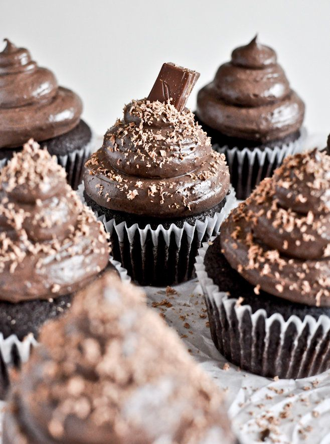 """<strong>Get the <a href=""""http://www.howsweeteats.com/2012/02/chocolate-lovers-cupcakes/"""" target=""""_blank"""">Chocolate Lover's Cu"""