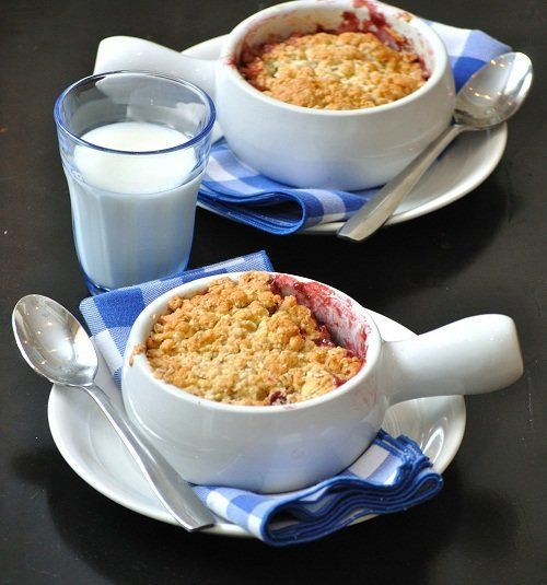"<strong>Get the <a href=""http://www.versesfrommykitchen.com/2011/03/strawberry-plum-crumble.html"" target=""_blank"">Strawberry"