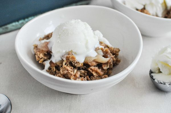 "<strong>Get the <a href=""http://www.howsweeteats.com/2012/08/white-peach-cardamom-crumble/"" target=""_blank"">White Peach Carda"