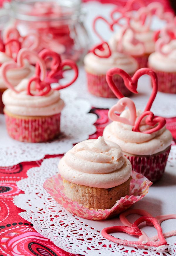 "<strong>Get the <a href=""http://www.aspicyperspective.com/2012/02/buttermilk-cupcakes-cherry-frosting.html"" target=""_blank"">C"