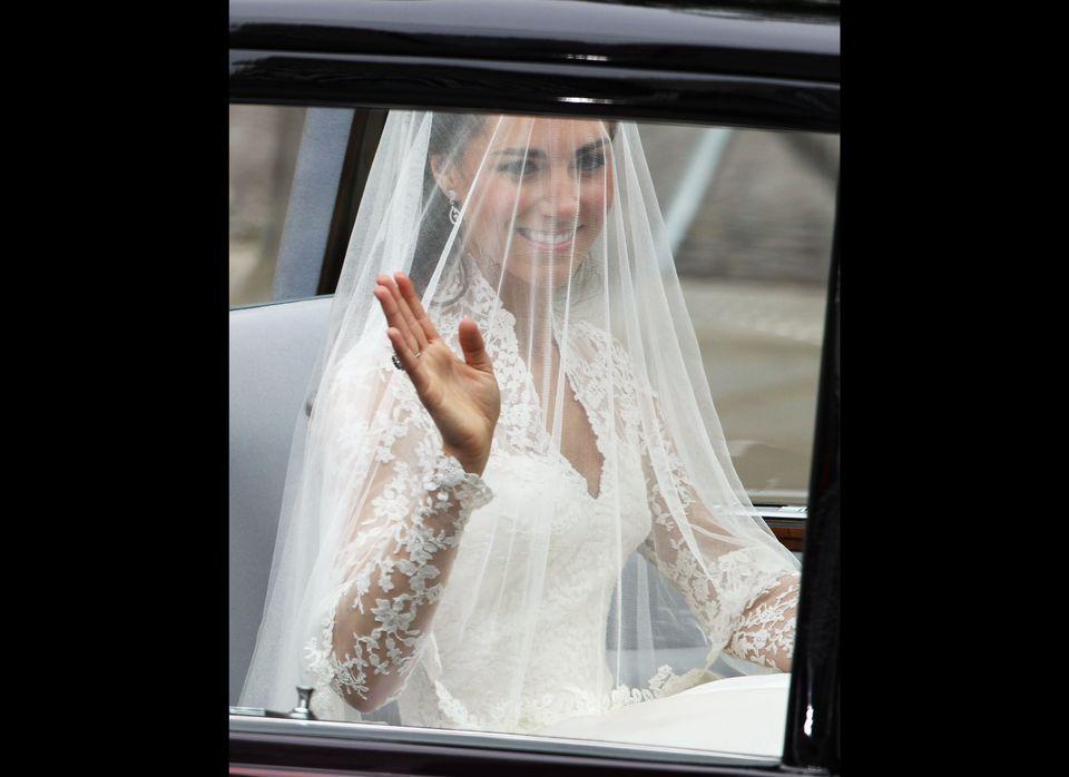 Alexander Mcqueen Wedding Dresses.Sarah Burton Kate Middleton Wedding Dress Designer Photos