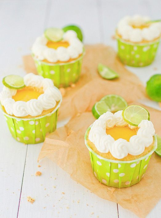 "<strong>Get the <a href=""http://annies-eats.com/2012/03/23/key-lime-pie-cupcakes/#"" target=""_hplink"">Key Lime Pie Cupcakes re"