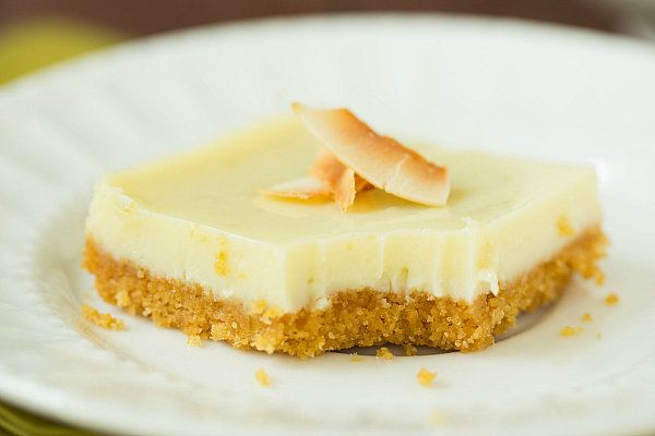 "<strong>Get the <a href=""http://www.browneyedbaker.com/2013/06/19/key-lime-pie-bars/"" target=""_blank"">Key Lime Pie Bars recip"