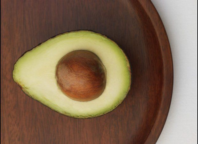 "An avocado has <a href=""http://www.webmd.com/diet/features/8-healthy-facts-about-avocados"" target=""_hplink"">30 grams of unsat"