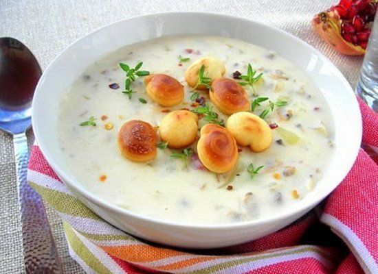 "<strong>Get the <a href=""http://www.thewickednoodle.com/15-minute-england-clam-chowder/"" target=""_hplink"">15-minute New Engla"