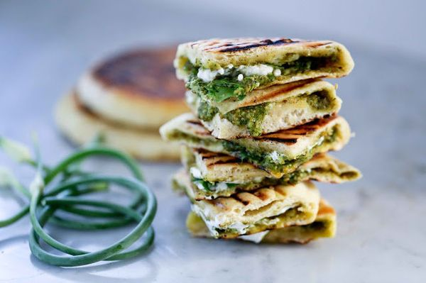 "<strong>Get the <a href=""http://www.feastingathome.com/2013/07/grilled-stuffed-naan-with-garlic-scape.html"" target=""_blank"">G"