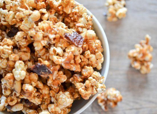 "<strong>Get the <a href=""http://www.theendlessmeal.com/bacon-caramel-popcorn/"" target=""_hplink"">Bacon Caramel Popcorn recipe<"