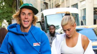 NEW YORK, NY - JULY 12:  Justin Bieber and Hailey Baldwin are seen heading to dinner in Dumbo on July 12, 2018 in New York, New York.  (Photo by Alessio Botticelli/GC Images)