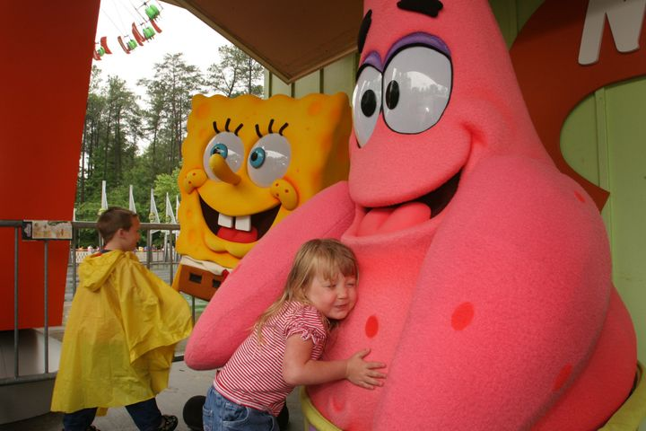 A Day In The Life Of A Theme Park Character   HuffPost Life