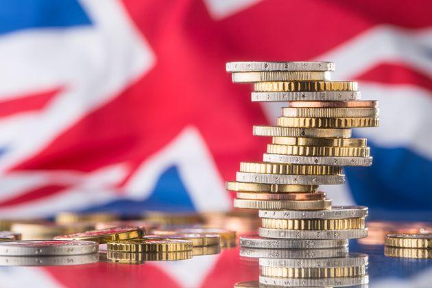 Η βρετανική αντιπολίτευση απειλεί πως θα καταψηφίσει κάθε συμφωνία της Μέι για το